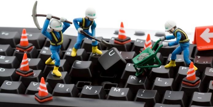 Si të pastrojmë poshtë tastierës së kompiuterit