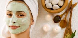 Si të trajtojmë lëkurën e yndyrshme (10 maska me bazë argjile)